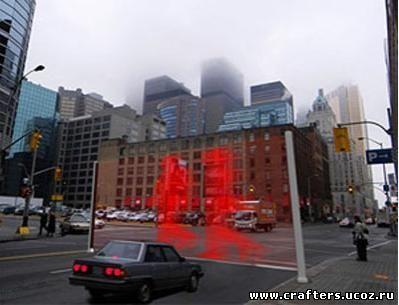 Лазерный светофор показывает пешеходов несознательным водителям прямо посреди дороги