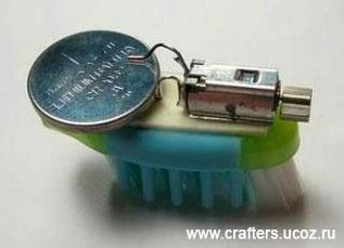 виброход гоночный жучок робот из трех частей вибро мотор робот из зубной щетки своими руками за пару минут создать сделать детские поделки для детей и взрослых